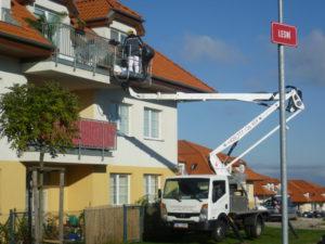 Opravy střech, čištění okapových žlabů